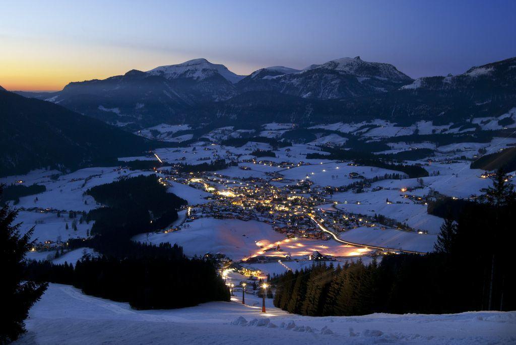 Geführte Winter Wanderungen bei Nacht - Guided hiking tours Austria