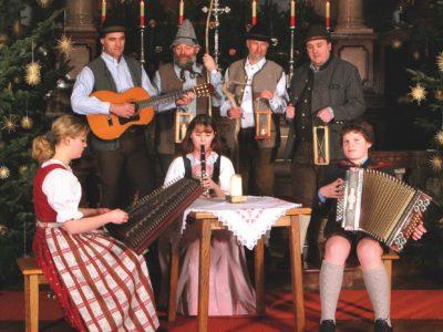 Musiker und Anglöckler in St. Leonhard